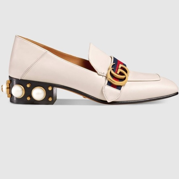 95f249789f1 Gucci Shoes - Women s Gucci Leather mid-heel loafer in white❣ ❣️